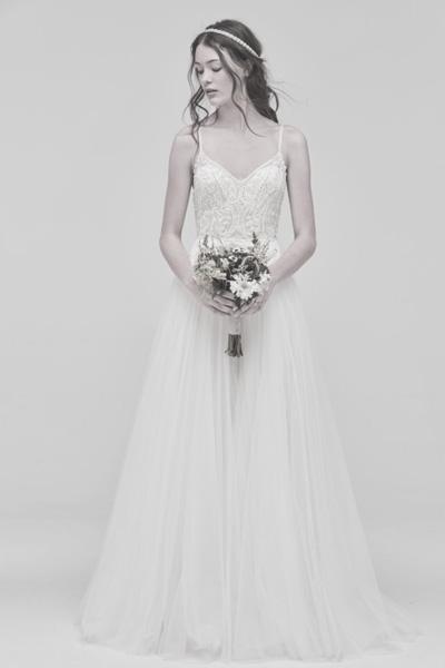 Brautkleid in A-Linien Form mit Perlen