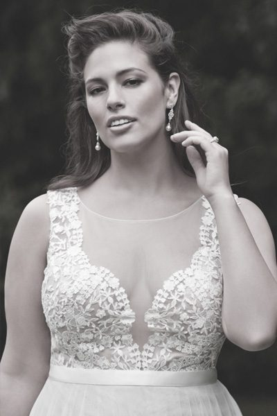 Curvy weddingdress W-Too