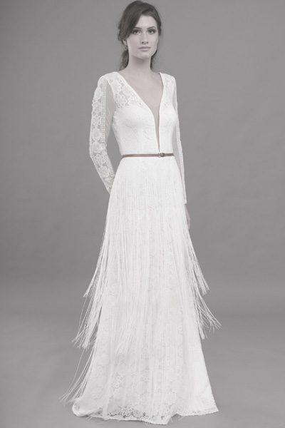 Hochzeitskleid mit sehr tiefem Ausschnitt - Boho-Look