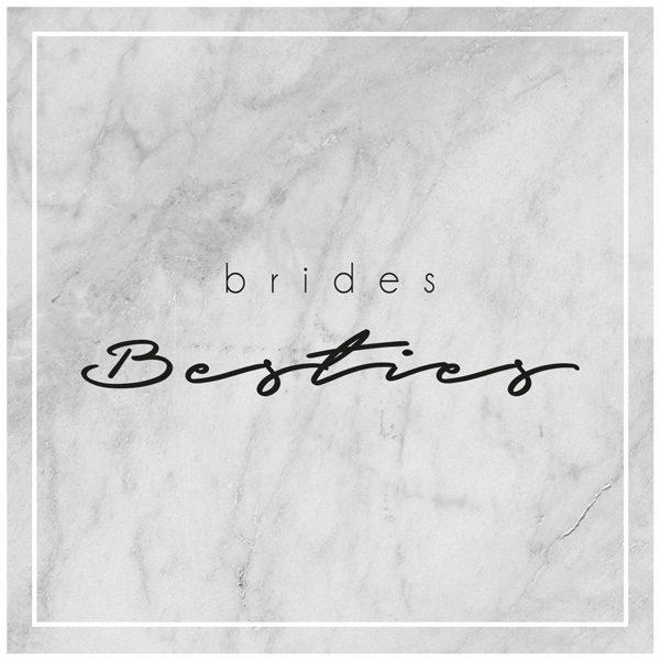 Brides Besties auf Marmorhintergrund