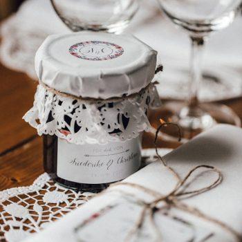 Selbstgemachte Marmelade als Gastgeschenk