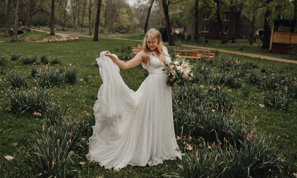 Hochzeitskleid schlicht ivory
