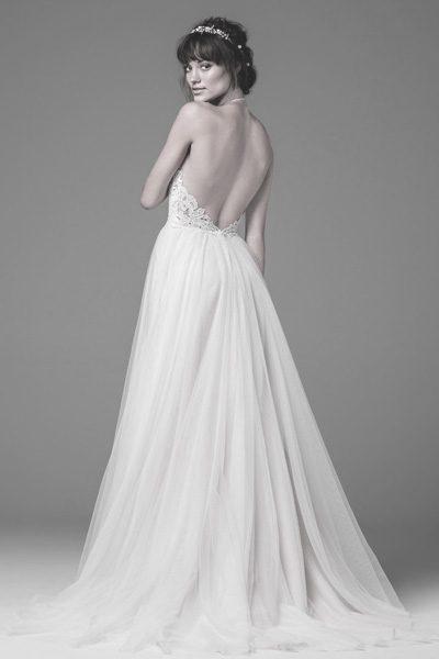 Schulterfreies Hochzeitskleid mit tiefem Rücken