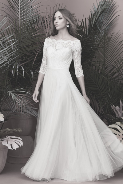 Brautkleid mit Carmenausschnitt