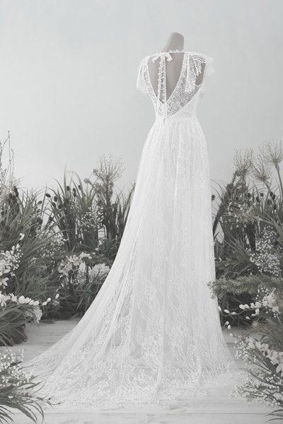 Hochzeitskleid mit leichter Spitze