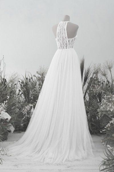 Hochzeitskleid mit besonderem Rückenausschnitt