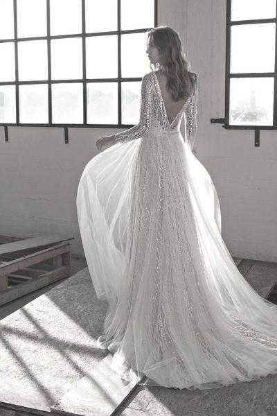 Brautkleid mit tiefem Rückenausschnitt