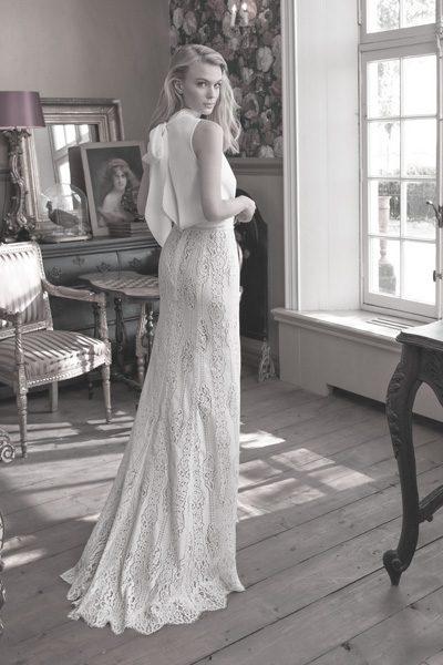 Brautkleid mit Spitzenrock und Seidenoberteil