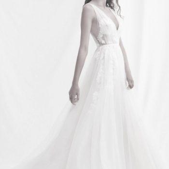 Hochzeitskleid mit großer Tattoo-Spitze