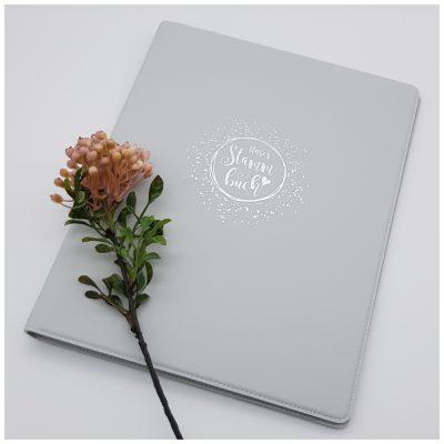 Graues Stammbuch aus Leder - Modern & liebevoll gestaltet